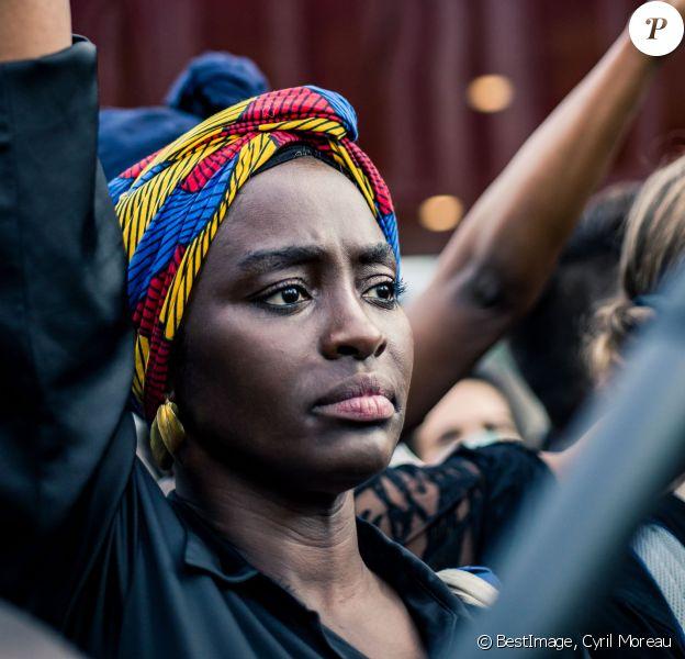 Aïssa Maïga - People à la manifestation de soutien à Adama Traoré devant le tribunal de Paris le 2 juin 2020. Environ 20.000 personnes ont participé mardi soir devant le tribunal de Paris à un rassemblement interdit, émaillé d'incidents, à l'appel du comité de soutien à la famille d'Adama Traoré, jeune homme noir de 24 ans mort en 2016 après son interpellation. © Cyril Moreau / Bestimage