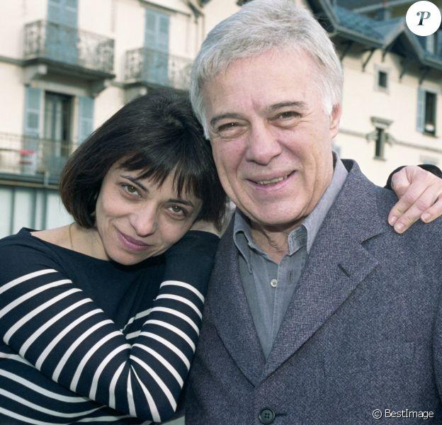 Leslie Bedos et son père Guy Bedos lors du 18ème Festival d'humour de Saint-Gervais en 2002.