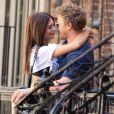 Exclusif - Emily Ratajkowski et son mari Sebastian Bear-McClard s'embrassent à New York. Le 18 juillet 2018.