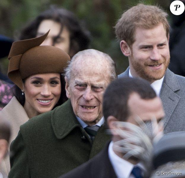 Le prince Philip, duc d'Edimbourg, le prince Harry et Meghan Markle - La famille royale d'Angleterre arrive à la messe de Noël à l'église Sainte-Marie-Madeleine à Sandringham, le 25 décembre 2017.