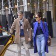 Exclusif - Jessica Mulroney, la styliste et meilleure amie de Meghan Markle, et son mari Ben prennent un taxi à New York le 1er mars 2020.