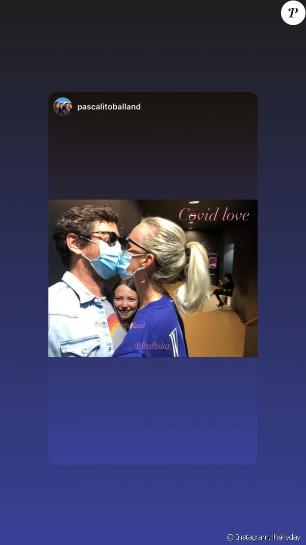 Laeticia Hallyday a republié une photo de Pascal Balland l'embrassant avec un masque sur Instagram le 20 juin 2020.