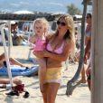 Geri Halliwell en vacances à St-Tropez avec sa fille Bluebell et son boyfriend