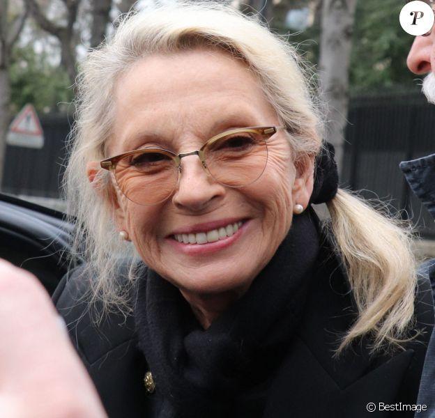 """Véronique Sanson - People à la sortie de l'enregistrement de l'émission """"Vivement Dimanche"""" à Paris le 20 mars 2019."""