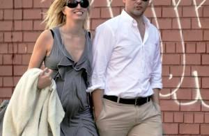 Karolina Kurkova enceinte et amoureuse... une femme comblée !