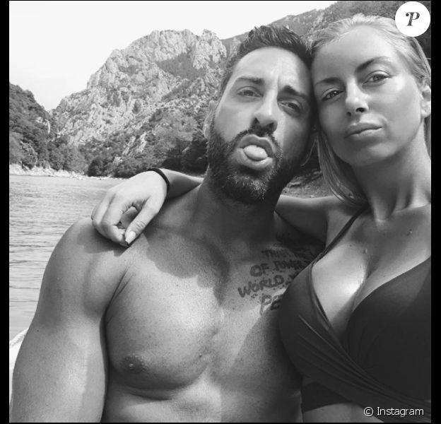 Stéphanie Clerbois et Eric, amoureux, le 18 juillet 2017 dans le sud de la France.