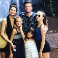 Norbert Tarayre avec sa femme et ses trois filles, le 31 mai 2019