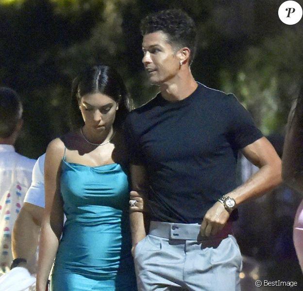 """Exclusif - Cristiano Ronaldo et sa compagne Georgina Rodriguez dînent avec des amis, dont le footballeur Jose Semedo, au restaurant """"La Langosteria"""" à Paraggi près de Portofino. Le 2 août 2020."""