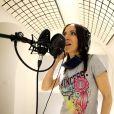Exclusif - Fabienne Carat Fabienne Carat en séance d'enregistrement dans le studio de Richard Orlinski à Paris, le 23 mai 2020.