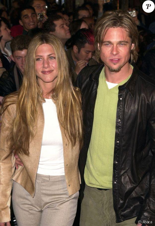 "Jennifer Aniston et Brad Pitt à la première du film ""Erin Brockovich"" à Los Angeles en 2000."
