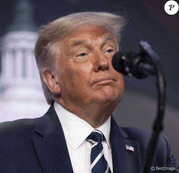 Le Président américain Donald J.Trump prend la parole lors de la réunion du Conseil pour la politique nationale au Ritz Carlton à Arlington, en Virginie