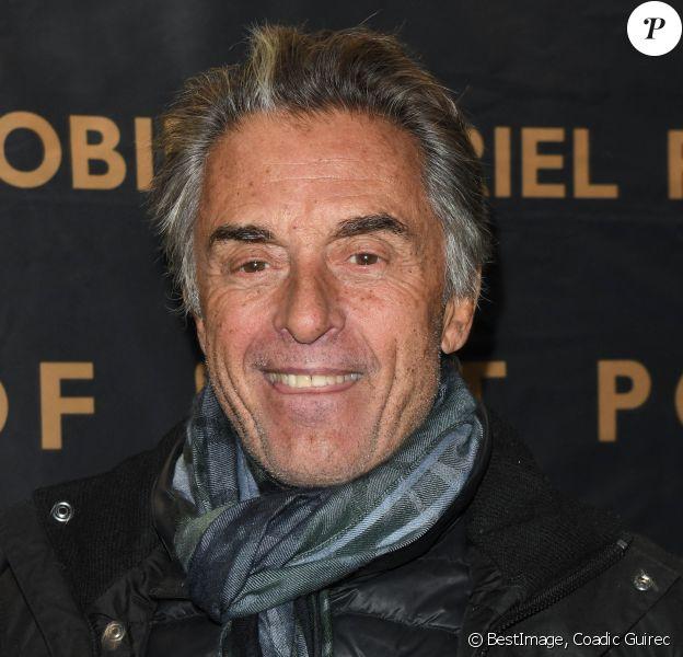 """Gérard Holtz - Générale du nouveau spectacle """"Muriel Robin et Pof !"""" au Palais des Sports à Paris. © Coadic Guirec/Bestimage"""
