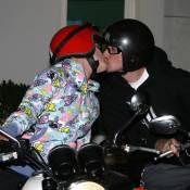 Pink et son mari sont si amoureux que... leurs bouches ne se décollent plus !