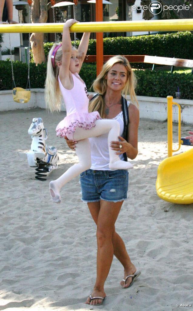 Denis Richards au parc avec ses filles. 17/09/09
