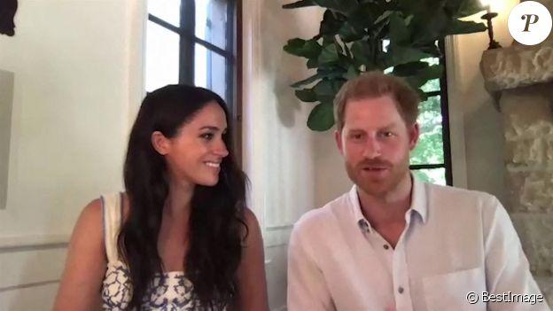 """Le prince Harry, duc de Sussex, et Meghan Markle, duchesse de Sussex, abordent le rôle des réseaux sociaux et vantent le travail de l'association """"Queen's Commonwealth Trust"""". Le 25 août 2020."""