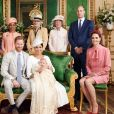 Meghan Markle, duchesse de Sussex, et le prince Harry en famille lors du baptême de leur fils Archie Mountbatten-Windsor le 6 juillet 2019 dans le Salon Vert au château de Windsor, entourés de la duchesse Camilla de Cornouailles, la duchesse Catherine de Cambridge, le prince Charles, Doria Ragland, Lady Jane Fellowes, Lady Sarah McCorquodale et le prince William, photographiés par Chris Allerton. ©Chris Allerton/SussexRoyal/PA Photos/Bestimage