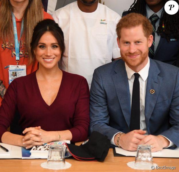 Le prince Harry, duc de Sussex, et Meghan Markle, duchesse de Sussex, participent à une réunion sur l'égalité des genres avec les membres du Queen's Commonwealth Trust (dont elle est vice-présidente) et du sommet One Young World au château de Windsor, 2019.