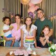 Jessica Alba, son mari Cash Warren et leurs trois enfants Honor (qui fête ses 12 ans), Haven et Hayes. Juin 2020.