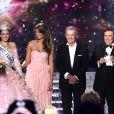 Laury Thilleman (Miss France 2011), Delphine Wespiser, Alain Delon et Jean-Pierre Foucault - Delphine Wespiser, Miss Alsace, devient la nouvelle Miss France.
