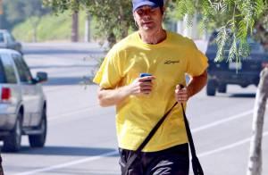 Jerry O'Connell : Le plus sportif des papas poules fait son footing avec... Woofy !