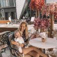 Jessica Thivenin, son mari Thibault Garcia et leur fils Maylone (1 an) vivent à Dubaï.