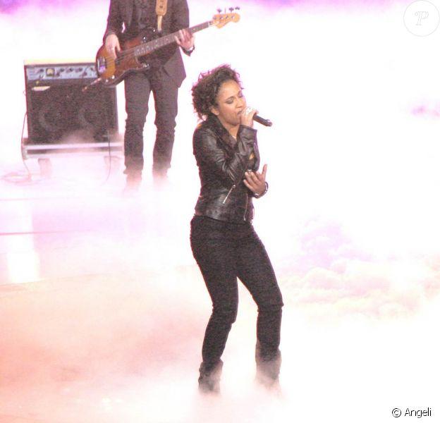 Joanna, ici sur le plateau de la Star Academy en 2008, sort son premier single en novembre prochain.