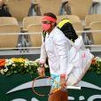 Rafael Nadal affronte Mackenzie McDonald lors du deuxième tour de Roland Garros à Paris, le 30 septembre 2020.
