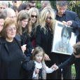 La famille de l'acteur, anéantie, aux obsèques de Filip Nikolic, le 24 septembre 2009.