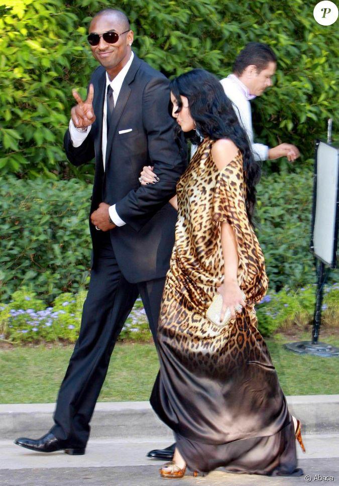 kobe bryant et sa femme vanessa au mariage de khloe kardashian et du joueur de basket lamar odom. Black Bedroom Furniture Sets. Home Design Ideas