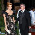 Alan Thicke, bien accompagné par sa femme Tanya Callau, se rend au mariage de Khloe Kardashian et du joueur de basket Lamar Odom. 27/09/09