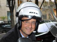 """François Hollande et ses """"road trips en scooter"""" : taquin, il fait une confidence amusante"""