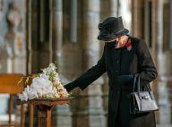 Elizabeth II : Première sortie masquée, la reine se plie enfin aux gestes barrières