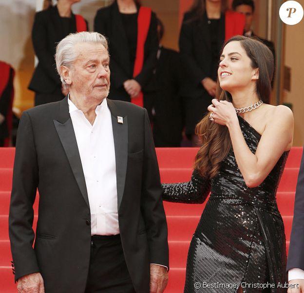 """Alain Delon et sa fille Anouchka - Montée des marches du film """"Une vie cachée"""" lors du 72ème Festival International du Film de Cannes. © Christophe Aubert via Bestimage"""