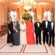 Le président Donald J. Trump et la première dame Melania Trump en famille avec le prince de Galles de Grande-Bretagne, la duchesse de Cornouailles, le mardi 4 juin 2019 à Winfield House à Londres.