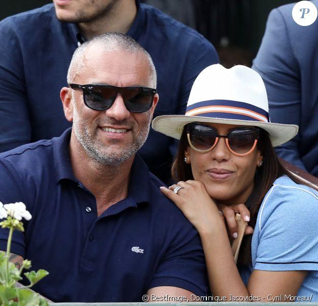 Amel Bent et son mari Patrick Antonelli dans les tribunes des internationaux de tennis de Roland Garros à Paris, France. © Dominique Jacovides - Cyril Moreau/Bestimage