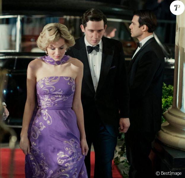 Nouvel extrait de la série The Crown (Netflix), Emma Corrin interprète Lady Di.