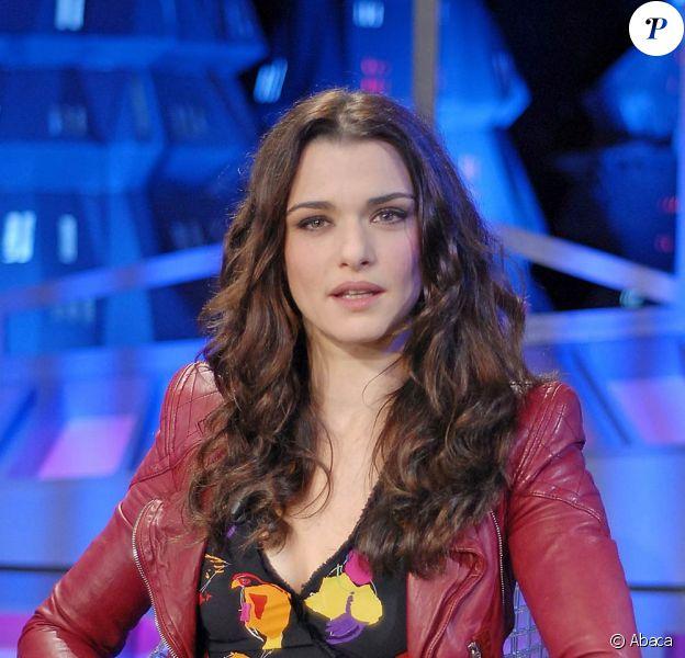 La craquante Rachel Weisz, lors de l'enregistrement de l'émission de télé El Hormiguero, à Madrid, en Espagne, le 5 octobre 2009 !