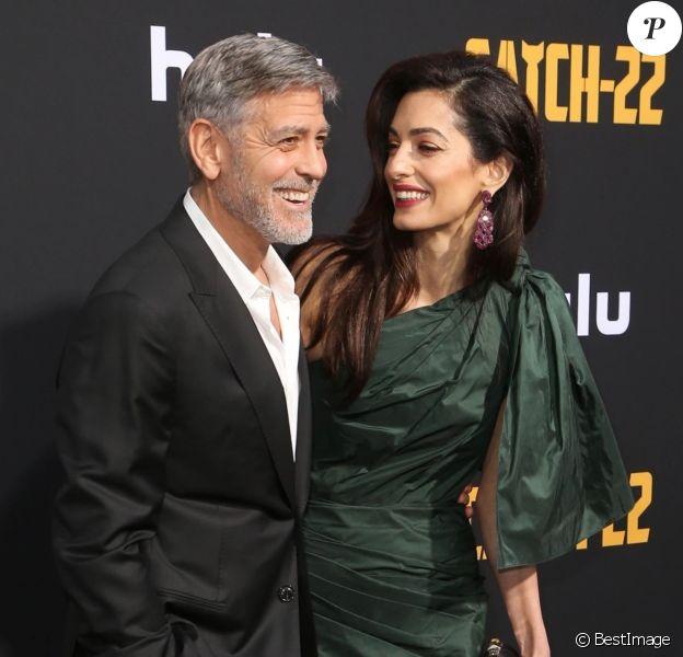 """George Clooney et sa femme Amal Clooney - Avant-première et soirée de présentation de la nouvelle série Hulu """"Catch-22"""" à Hollywood, Los Angeles."""