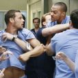 Baston dans la saison 6 entre Justin Chambers et Jesse Williams