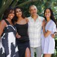 Michelle et Barack Obama avec leurs filles Malia et Sasha sur Instagram.