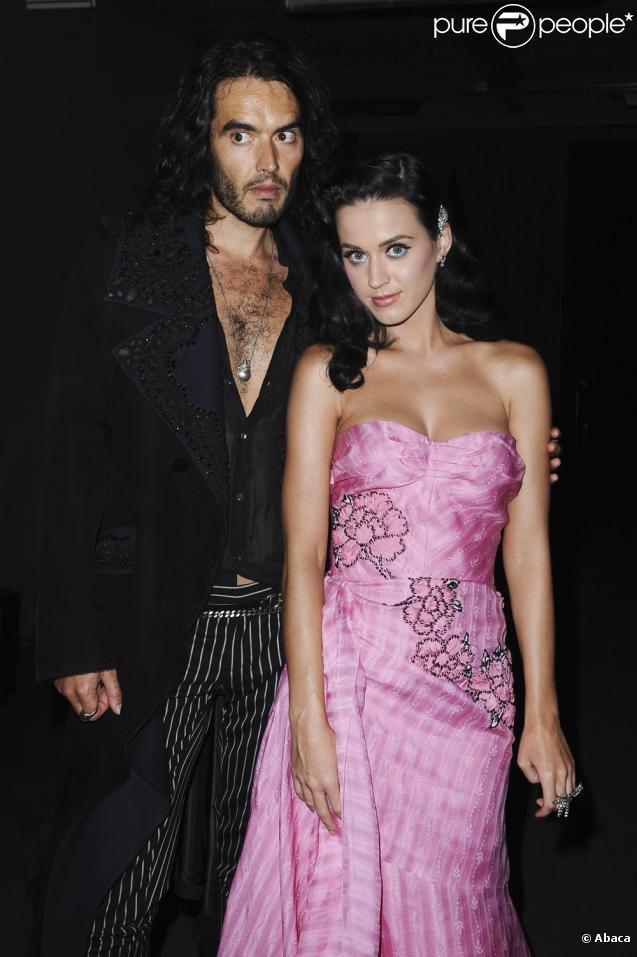Katy Perry et Russell Brand en amoureux au défilé Galliano