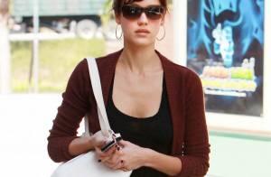 Jessica Alba : Le bon style, elle le garde pour sa fille chérie ! Dommage !