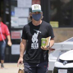 Exclusif - Josh Brolin à la sortie d'un supermarché à Malibu le 21 juin 2020 .