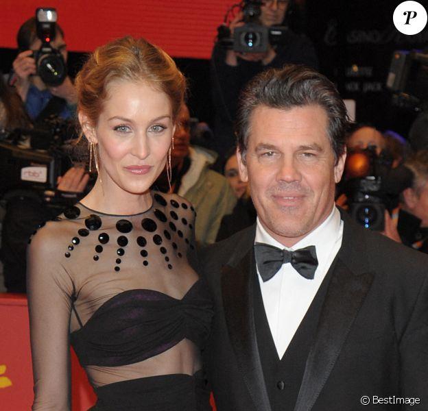 "Josh Brolin et sa fiancée Kathryn Boyd - Tapis rouge du film ""Hail Caesar!"" lors du 66ème Festival International du Film de Berlin, la Berlinale"