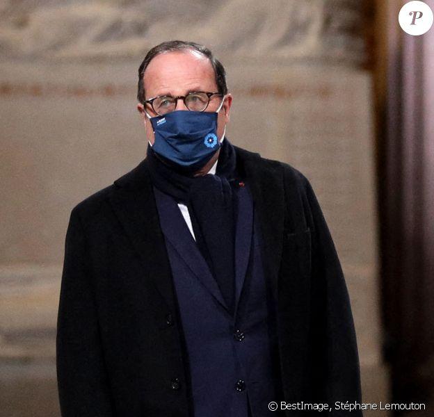 Francois Hollande - Le président de la République, Emmanuel Macron préside la cérémonie de panthéonisation de Maurice Genevoix, au Panthéon, Paris . © Stéphane Lemouton / Bestimage