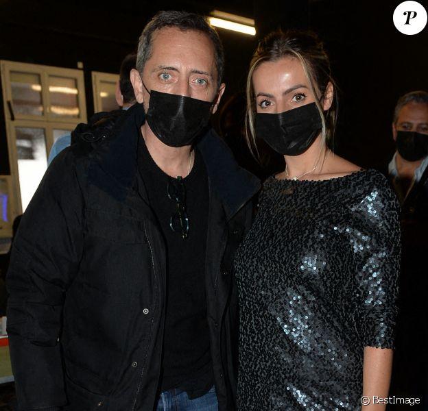 Exclusif - Gad Elmaleh et Hillary Vanderosieren (de l'émission Mamans et Célèbres) assistent au concert de Gims diffusé sur la plateforme Gigson.live. Paris, le 20 décembre 2020. © Veeren / Bestimage