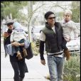 Gwen Stefani, ses fils et son mari Gavin à Hollywood le 11 octobre 2009