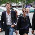 """Le prince Emmanuel Philibert de Savoie et son épouse Clotilde Courau arrivant au défilé Haute-Couture Automne-Hiver 2013/2014 """"Armani Prive"""" au Palais de Chaillot à Paris, le 2 juillet 2013."""