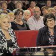 """Muriel Robin et Annie Grégorio à l'enregistrement de l'émission """"Vivement Dimanche"""", le 14/10/09"""