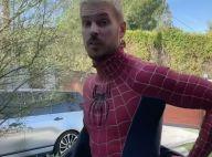 M. Pokora : Il renfile son costume de Spiderman pour une tendre surprise
